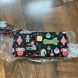 NWT Disney Dooney and Bourke Christmas Wristlet